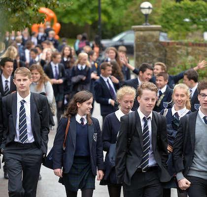 Оксфорд и Кембридж доберут небогатых студентов
