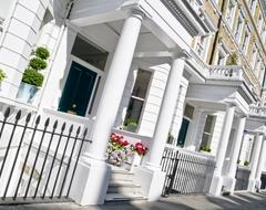 Средняя стоимость жилья в Великобритании выросла за месяц на 2500 фунтов