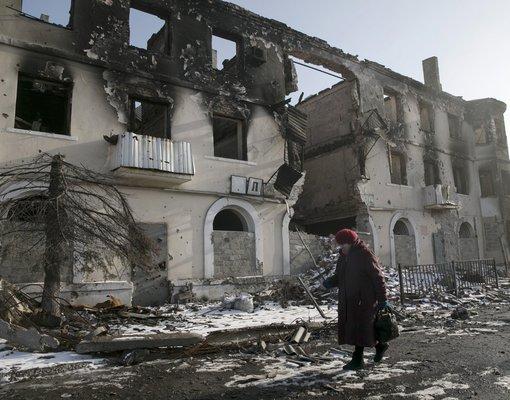 Великобритания призвала Россию прекратить отправлять «нежданные гуманитарные конвои» в Донбасс